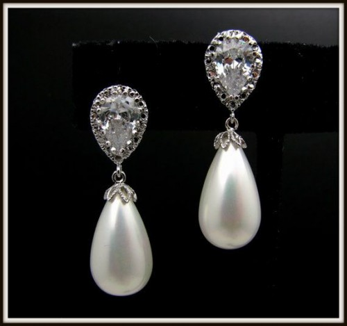 Amazing-pearl-drop-earrings