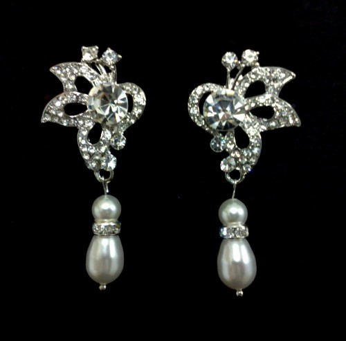 Butterfly-pearl-drop-earrings
