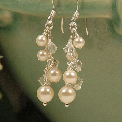 Shimmery-pearl-drop-earrings