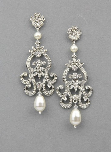 Statement-Brida-pearl-drop-earrings