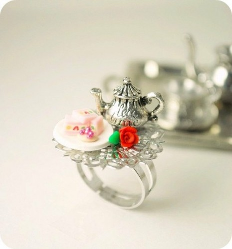 Tea-Party-minature-ring