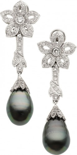 black-south-sea-pearl-drop-earrings