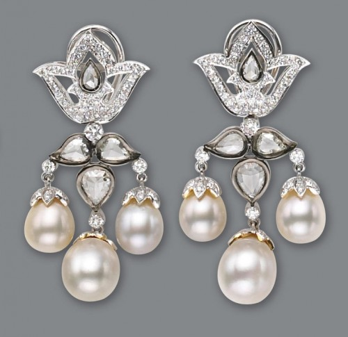 charming-pearl-drop-earrings