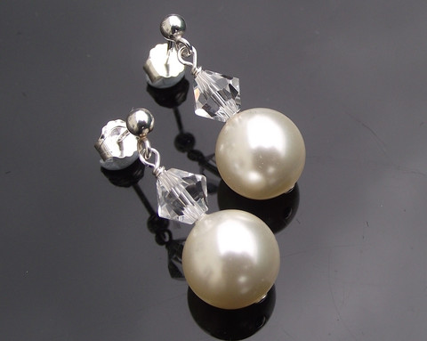 classic-pearl-drop-earrings