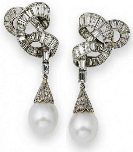designer-pearl-drop-earrings
