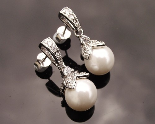 elegant-pearl-drop-earrings