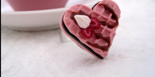 heart-pink-minature-ring