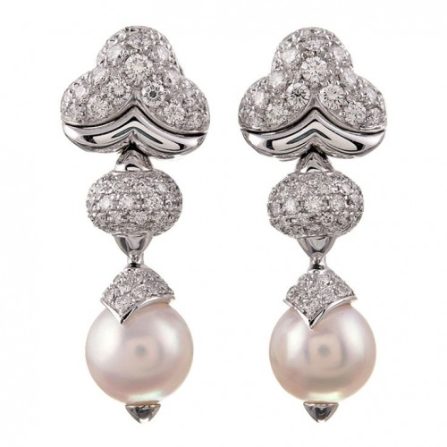 outstanding-pearl-drop-earrings
