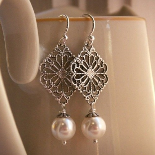 pearl-drop-earrings (2)