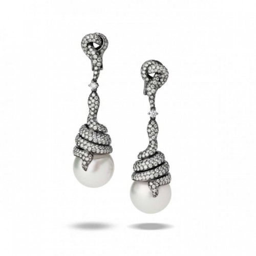 pearl-drop-earrings-Utopia