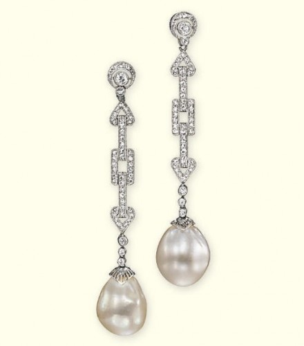 pearl-drop-earrings-geometric-link