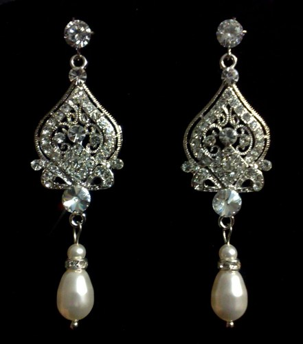 teardrop-pearl-drop-earrings