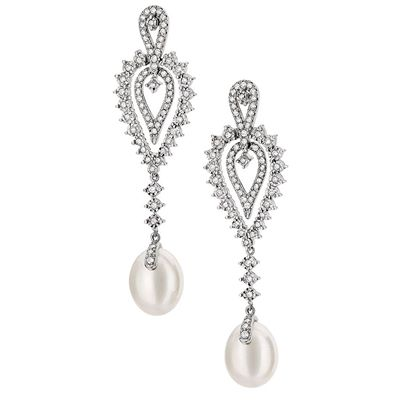 winsome-pearl-drop-earrings