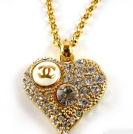 Luxury-diamond-heart-necklace-for-women
