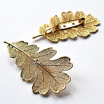 Oak-Leaf-brooches-and-clips