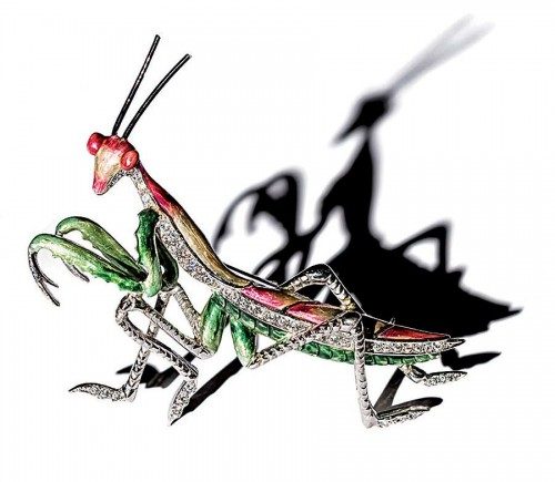 Praying-Mantis-brooch