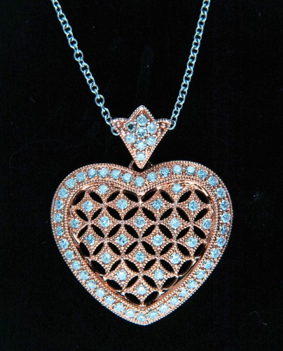 blue-diamond-heart-necklace-for-women (2)