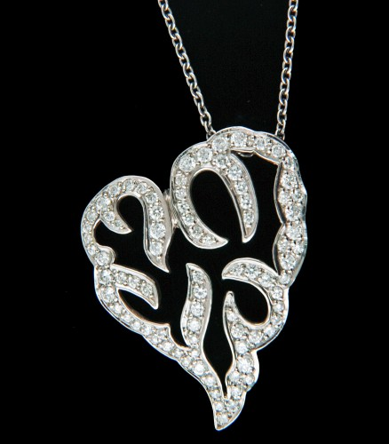 classic-diamond-heart-necklace-for-women