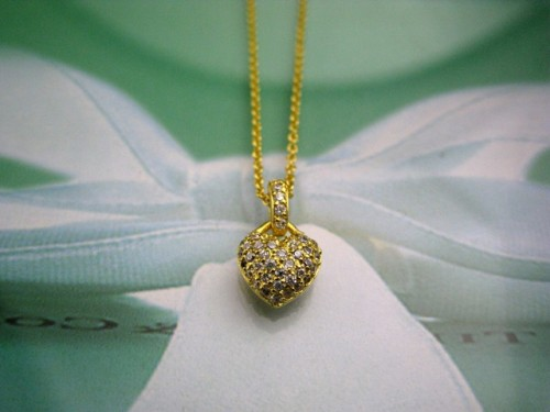 diamond-heart-necklace-for-women-tiny