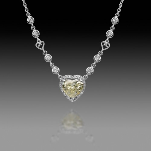 elegant-diamond-heart-necklace-for-women