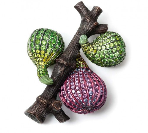 fig-brooches
