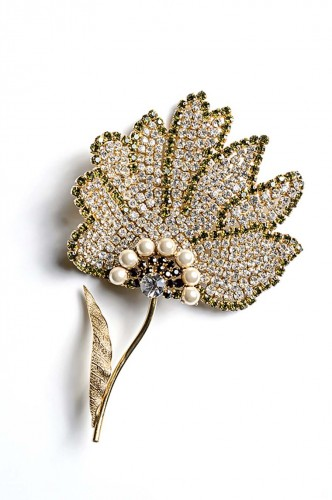 gold-plated-floral brooch