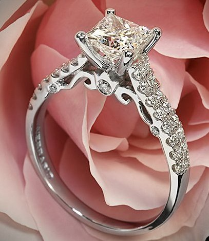 lovely-princess-Cut-diamond-rings