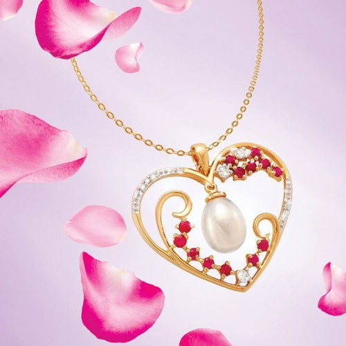 pearl-and-diamond-heart-necklace-for-women
