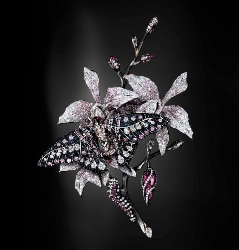 pink-diamond-brooches-and-clips
