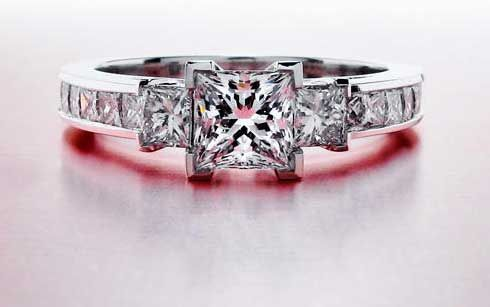 pink-diamond-princess-Cut-diamond-rings