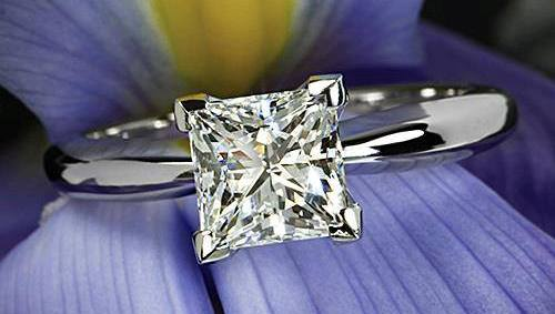 princess-Cut-diamond-rings  (51)