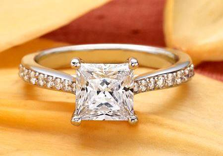 princess-Cut-diamond-rings  (68)