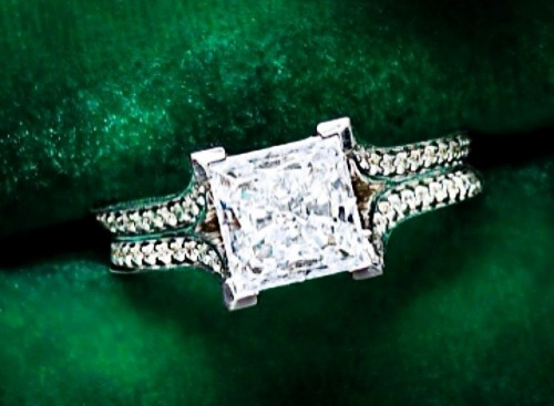 princess-Cut-diamond-rings-engagement-ring