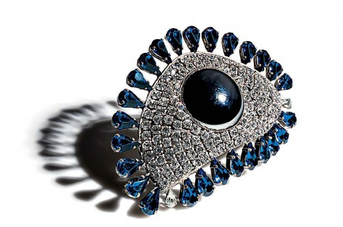 silver-plated-eye-brooches-and-dress-clips
