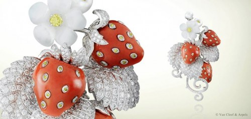 strawberries-brooches-and-dress-clips