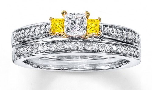 three-diamonds-princess-Cut-diamond-rings